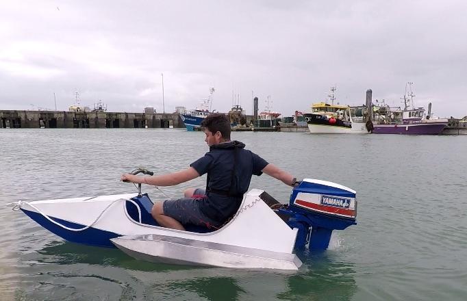 Essai de l'Hydro-Runner dans le port de pêche de La Rochelle. Photo Raphaël Renaudin - LMA La Rochelle.