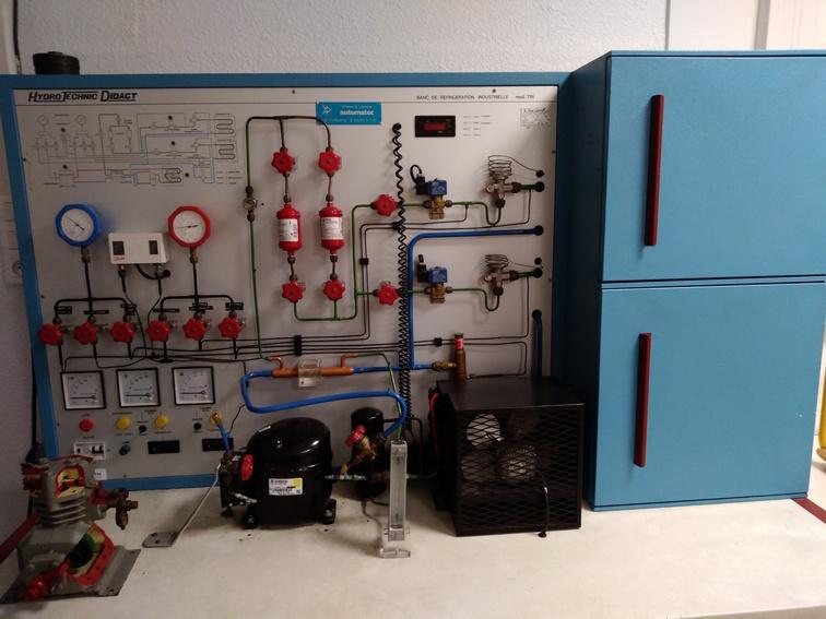 Banc didactique d'une installation frigo-vivres à deux chambres froides (une positive et une négative. Photo PY Larrieu - LMA La Rochelle.