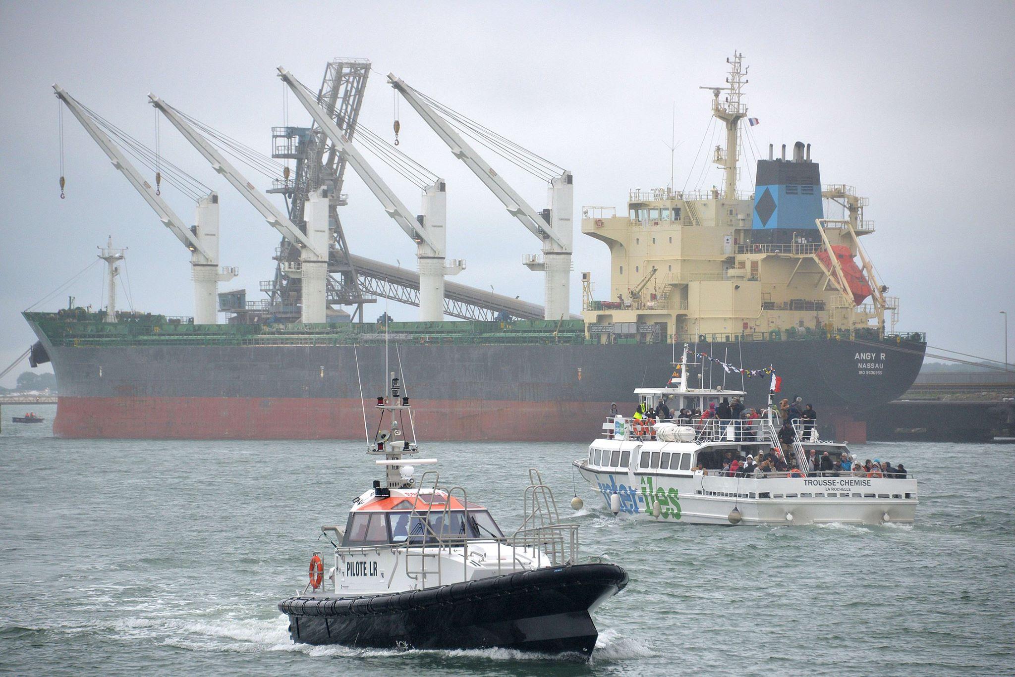 Navires au port de commerce de La Rochelle. Photo Inter-Iles - droits réservés.