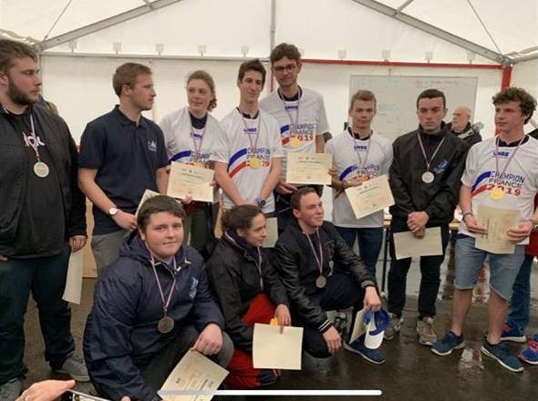 Équipage du LMA champion de France UNSS 2019